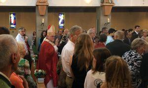 Kardinal Marx in Kirche Pullach